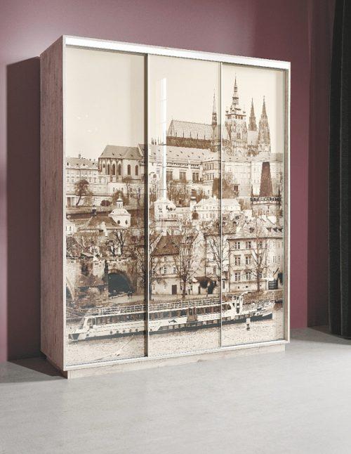 Шкаф-купе «Леон 2» с фотопечатью на стекле «Прага» трехдверный 1770